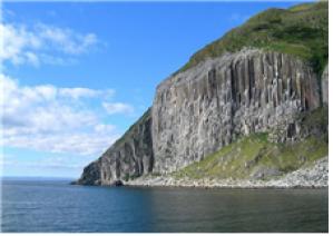 화강암 섬으로 불리는 에일사 크레이그섬 – 위키미디어 제공